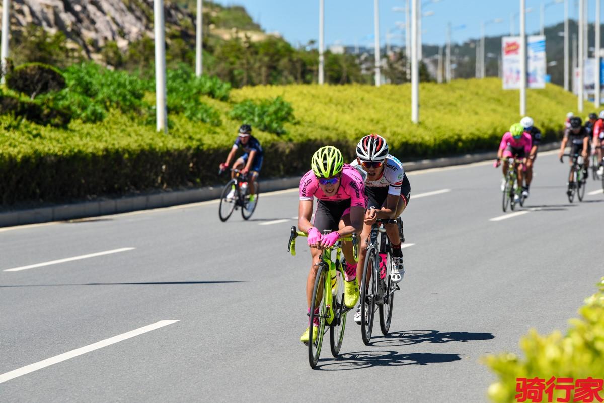 烈日下的冠军 平潭国际自行车公开赛 - 赛场 - 骑行家