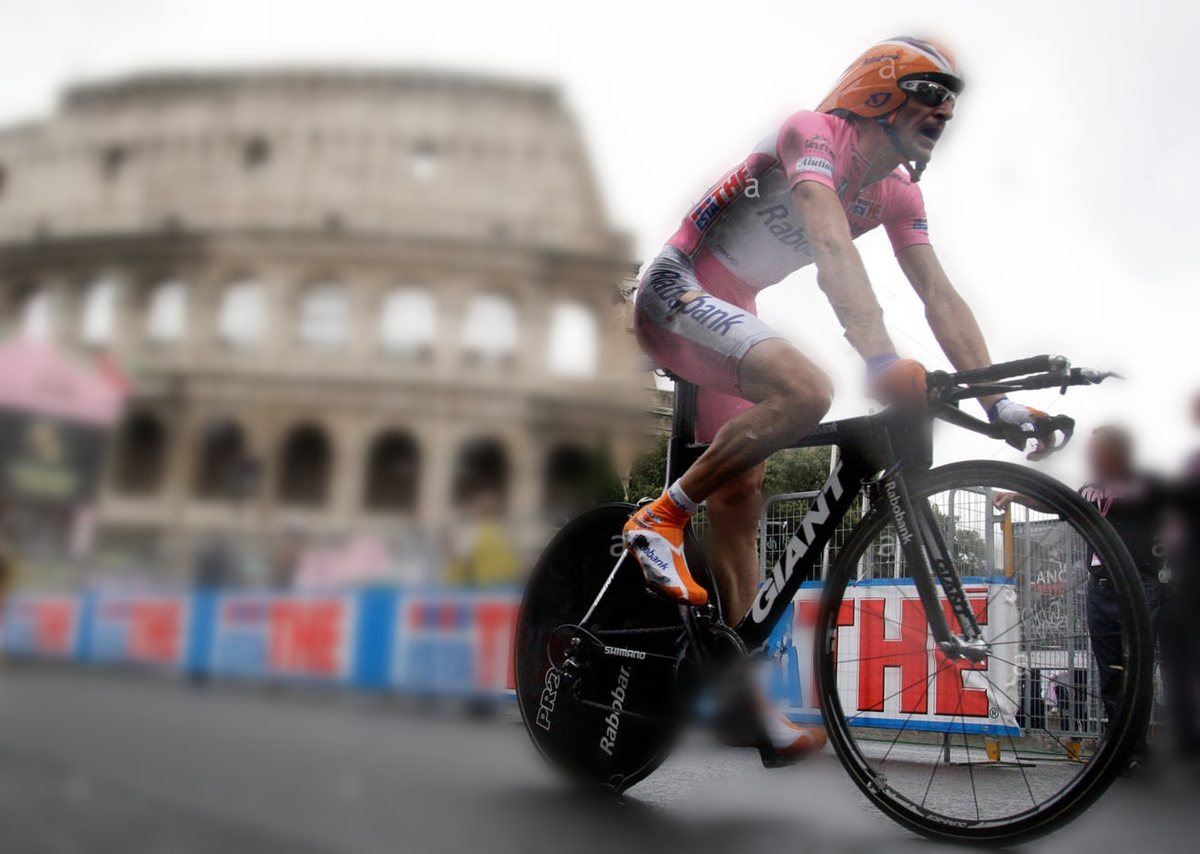 rabobank-rider-denis-menchov-of-russia-rides-past-the-ancient-colosseum-GNXD5B.jpg