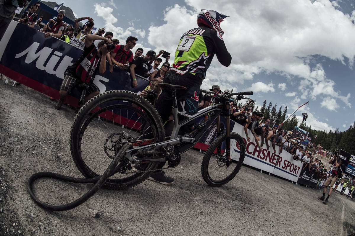 Aaron-Gwin-seen-after-the-race-at-UCI-DH-World-Cup-in-Lenzerheide-Switzerland-on-July-8th-2017.jpg