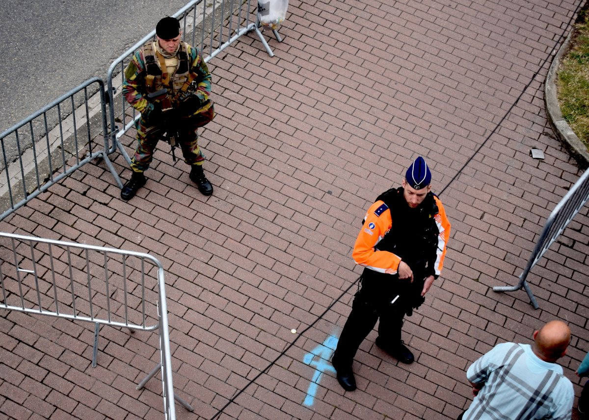 armed-police-officers-checked-spectators-bags-and-kept-vigilant-in-the-otherwise-festive-race-atmosphere.jpg