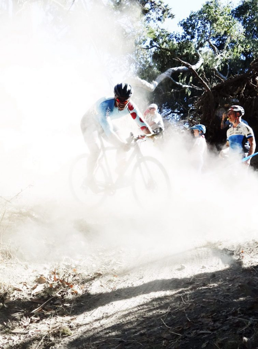 Edward-Dorsey-This-CX-course-in-Santa-Cruz-CA-featured-a-tight-and-dusty-section-of-MTB-singletrack-here-Melvictor-Tiongson-battled-throug13.jpg