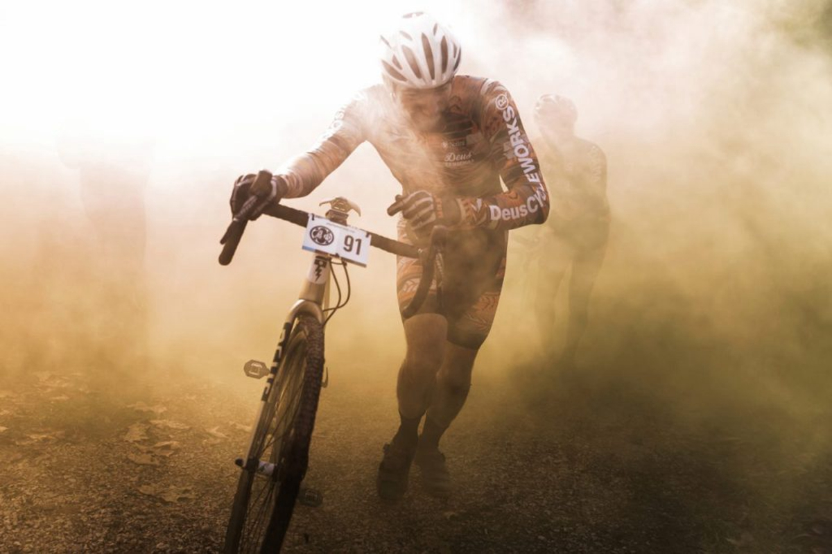 Emanuele-Barbaro-The-first-man-on-the-moon-with-bicycle.-Francesco-Dolfo-in-action-at-the-2017-Cyclocross-Singlespeed-World-Championship-i15.jpg