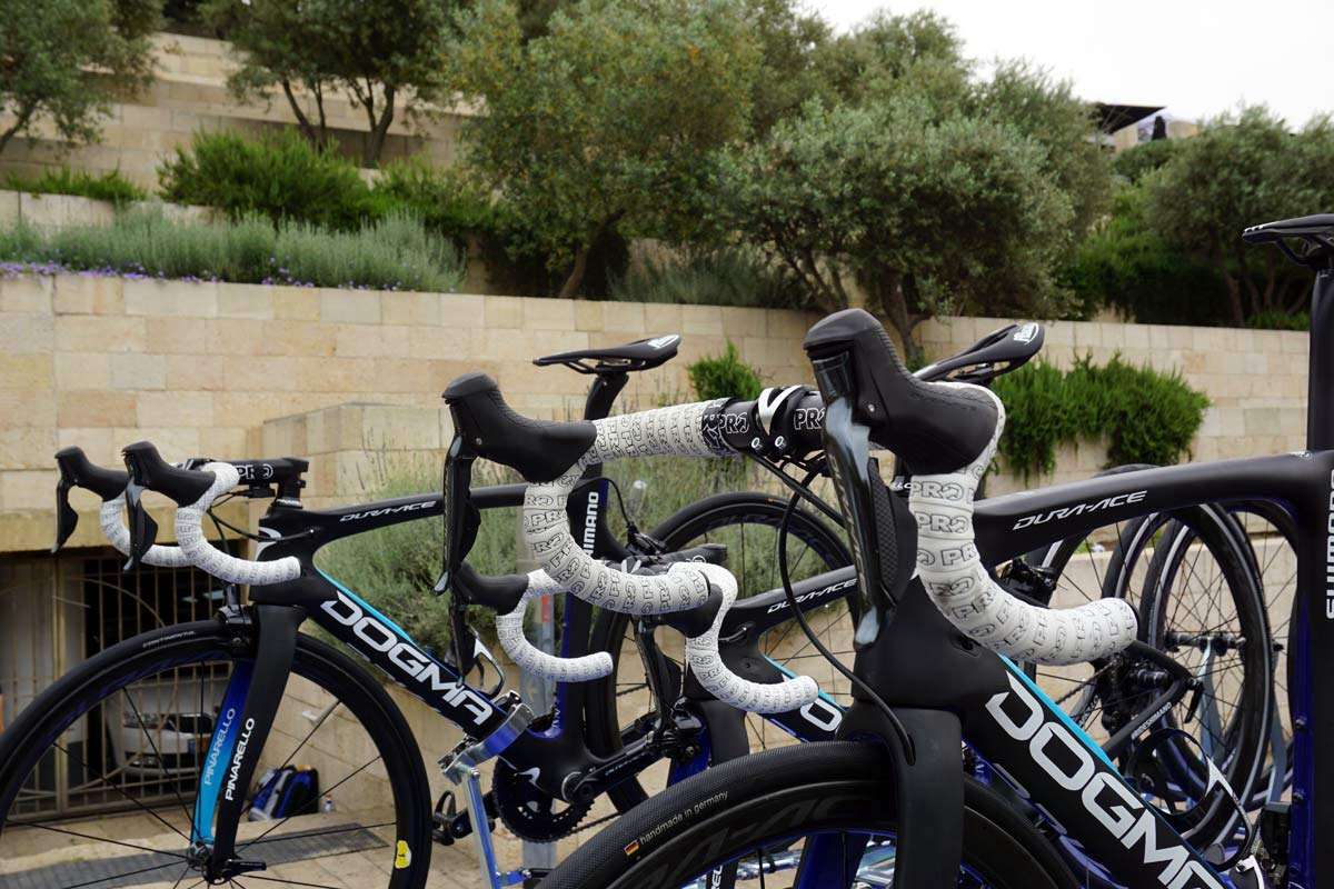 Shimano-Neutral-Support-Pinarello-road-bikes-2018-giro05.jpg
