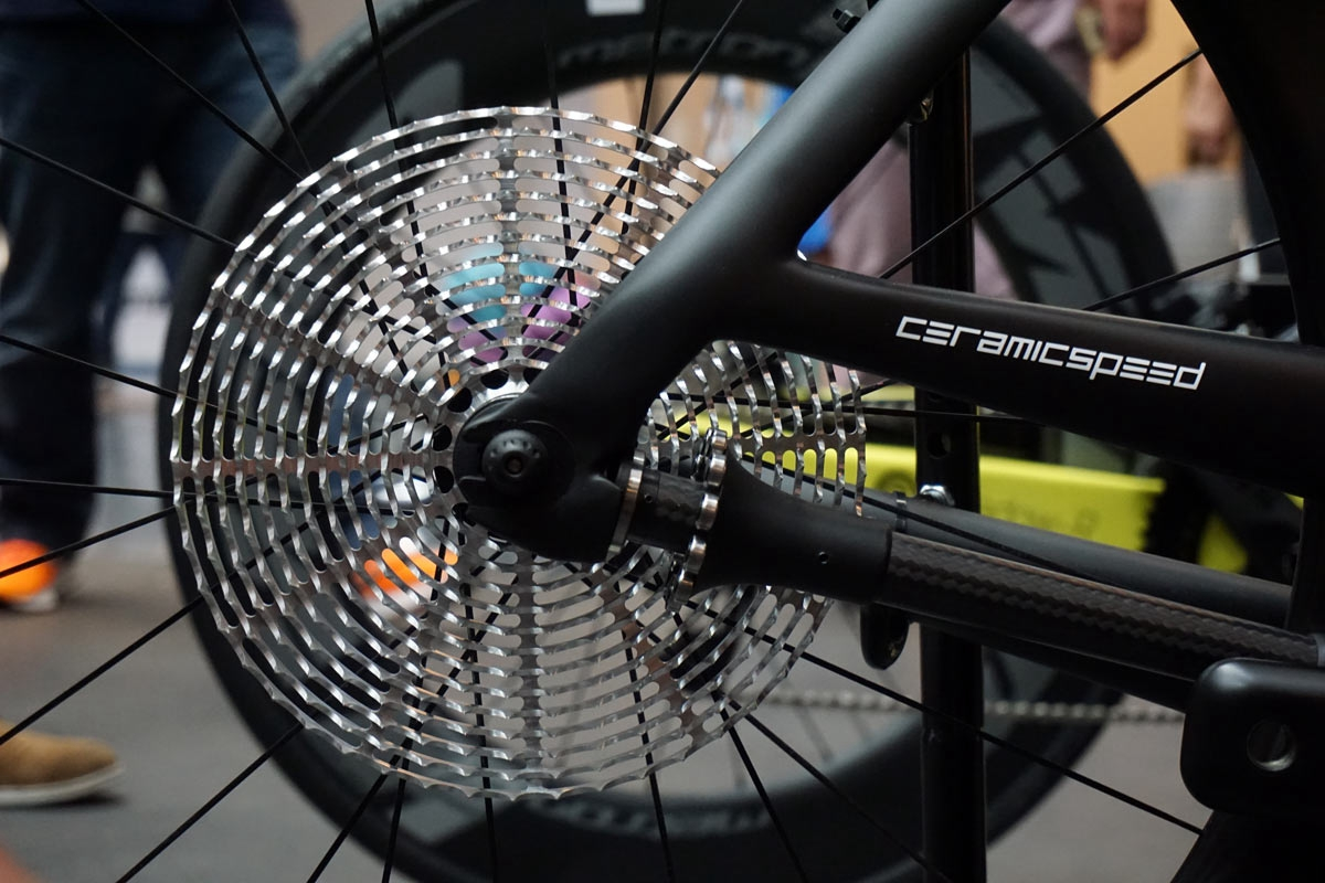ceramicspeed-concept-drivetrain-with-13-speed-shaft-driven-flat-cassette08.jpg