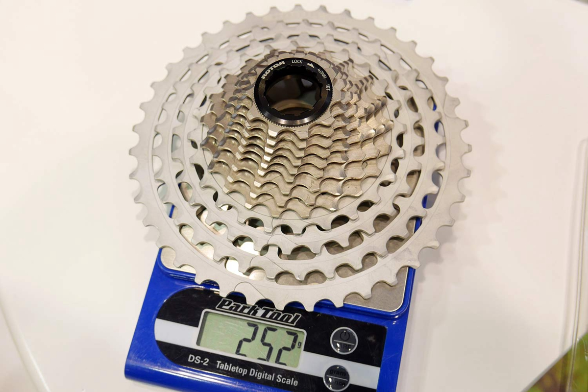 Rotor-1x13_13-speed-hydraulic-single-ring-road-gravel-cyclocross-mountain-bike-drivetrain_actual-weight-252g-10-39-cassette.jpg