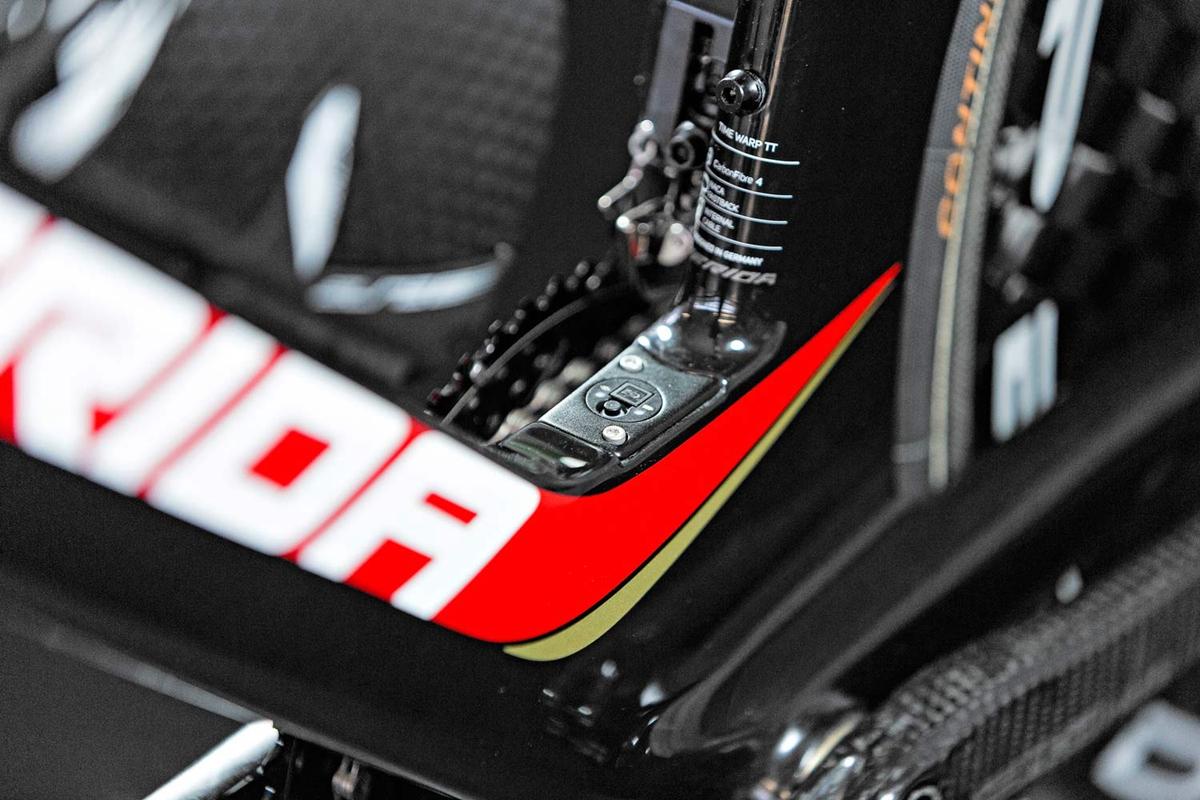 Merida-Time-Warp-TT_rim-brake-carbon-time-trial-race-road-bike_di2-box.jpg