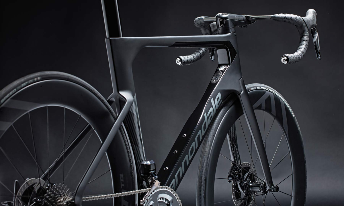 Cannondale-SystemSix_carbon-disc-brake-aero-road-bike-Faster-Everywhere_rear-end.jpg