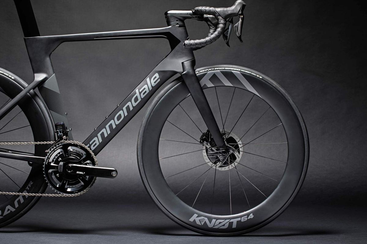 Cannondale-SystemSix_carbon-disc-brake-aero-road-bike-Faster-Everywhere_front-end.jpg