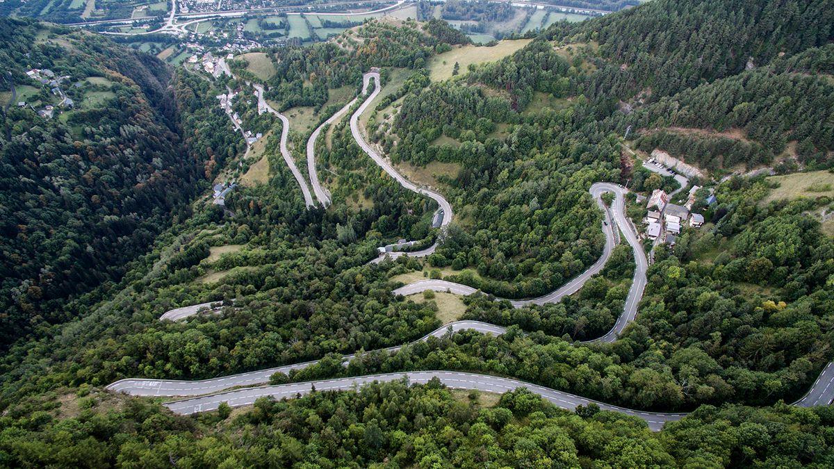 走进环法最经典传奇爬坡之一:Alpe d'Huez