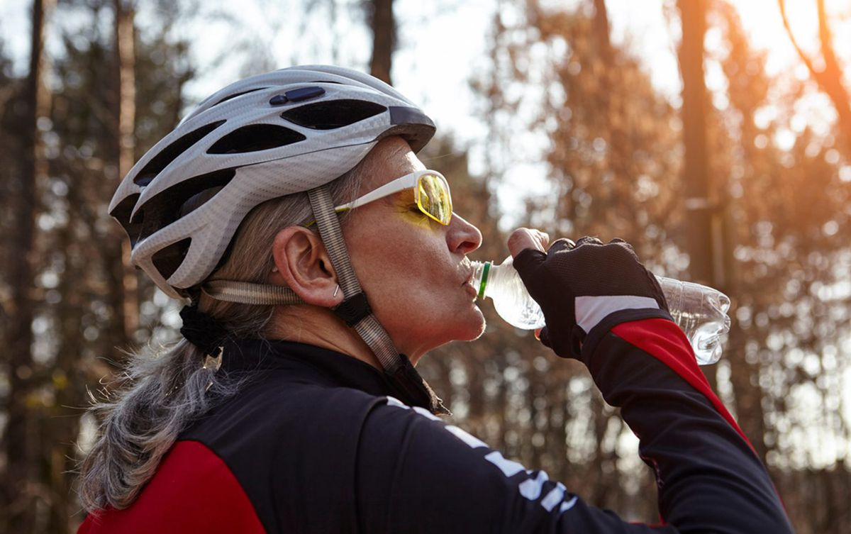 Cycling-Hydration-Strategies-You-Need-to-Know.jpg