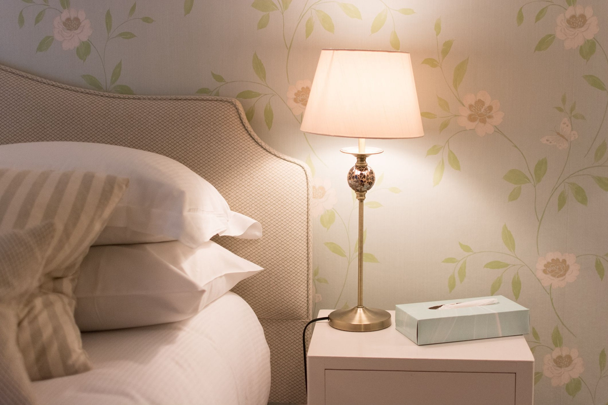 bed-light-1535126630.jpg