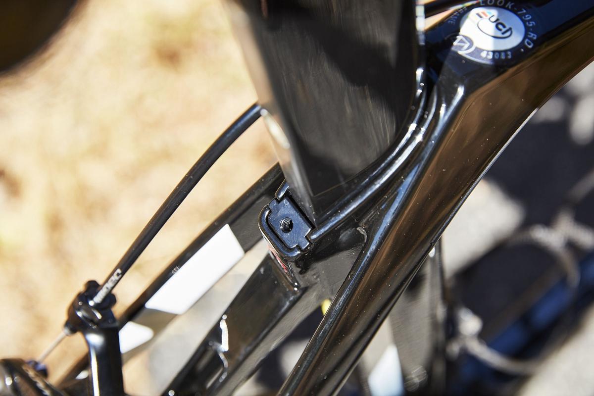 look-795-blade-0844-1537232920.jpg