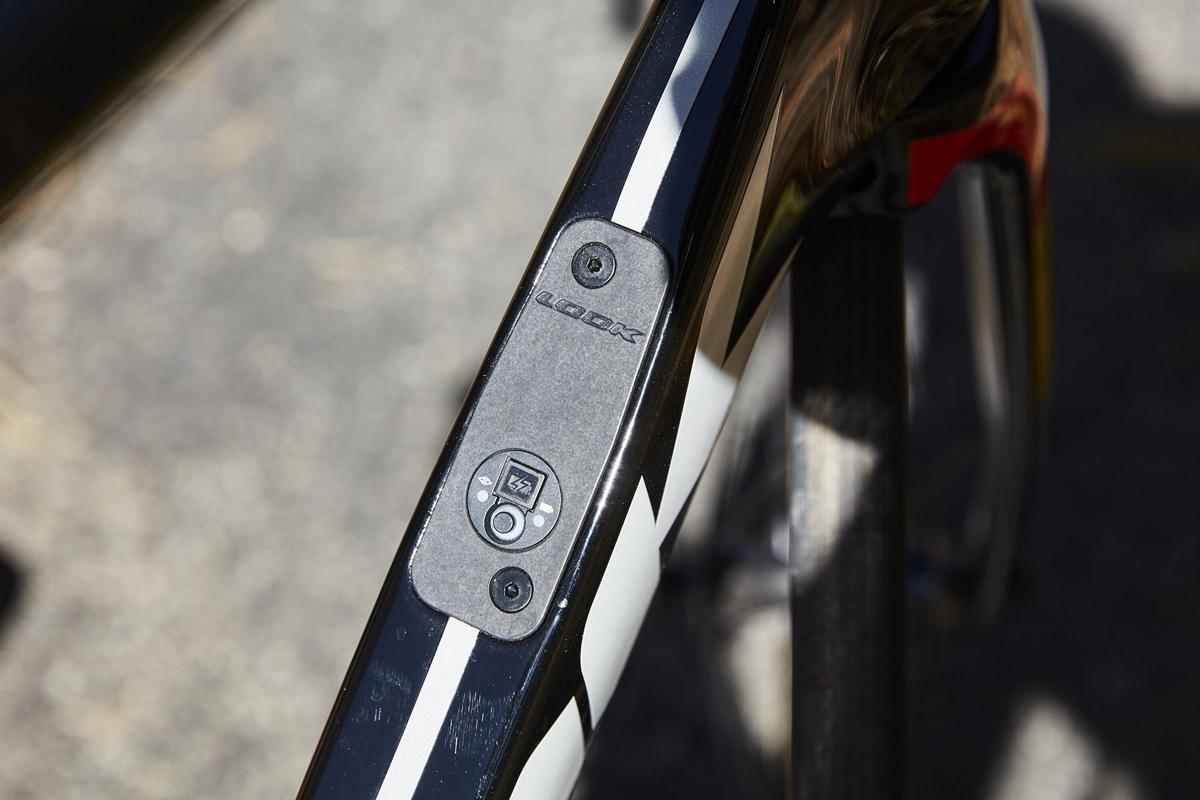 look-795-blade-0830-1537232911.jpg