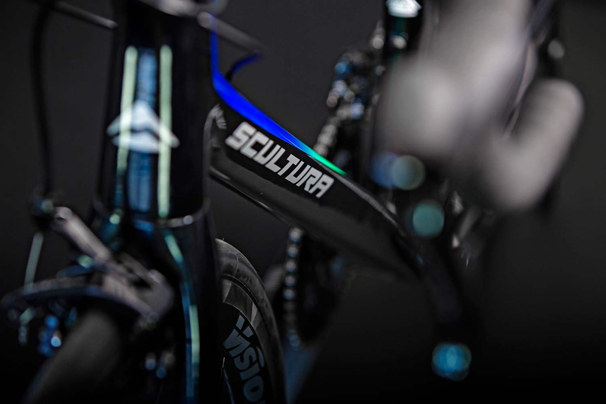 2019-Merida-Scultura-YC-Edition_special-limited-edition-Your-Choice-lightweight-rim-brake-climbers-road-bike_downtube.jpg