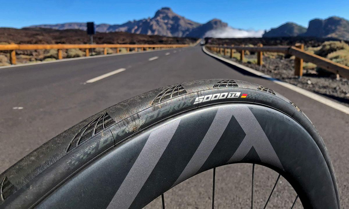 Continental-GP5000TL_Grand-Prix-GP-5000-TL_tubeless-road-all-around-performance-road-bike-tire_Teide-Tenerife-hot-stamp.jpg