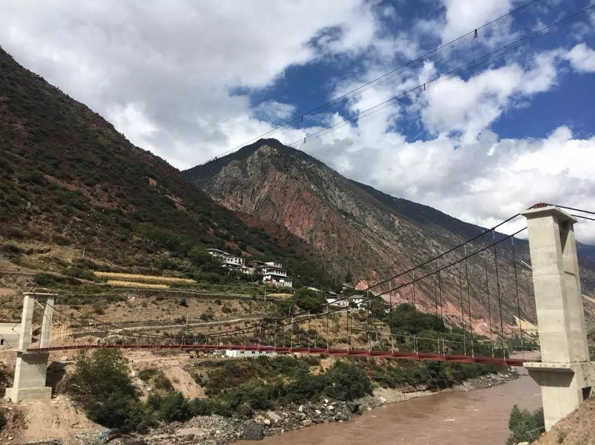 骑行迪庆藏族自治州----寻找《消失的地平线》