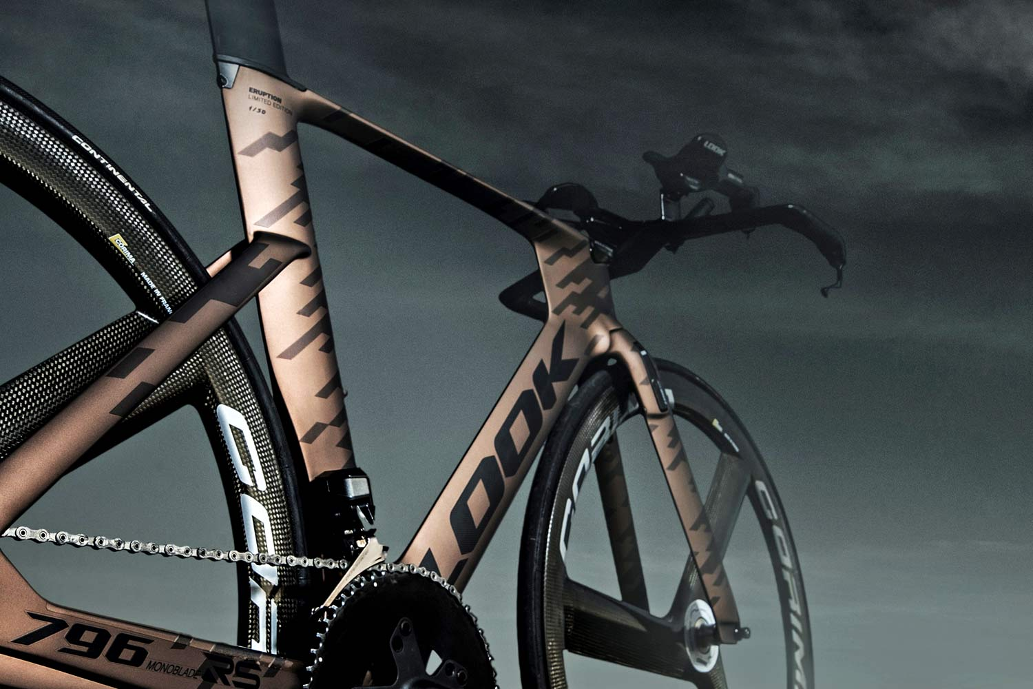 Look-Eruption-796-Monoblade-RS-TT-bike_limited-edition-Odyssey-series-time-trial-triathlon-frameset_angled-rear.jpg