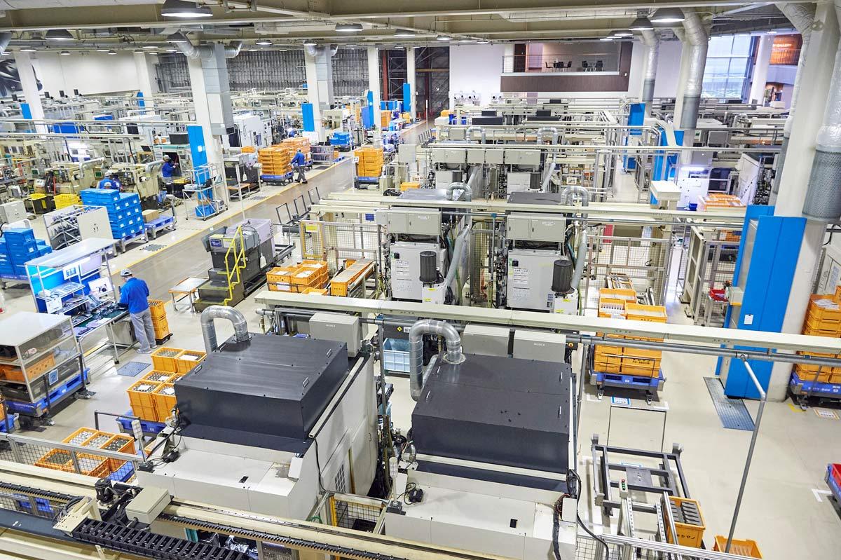 shimano-factory-tour-machining-cnc-parts01.jpg