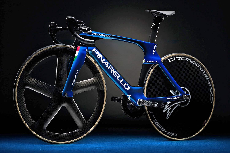 2020-Pinarello-Maat-track-bike_integrated-aero-carbon-World-Cup-track-bike_Tokyo-2020-Olympics_Italian-national-track-team-NDS-angled.jpg