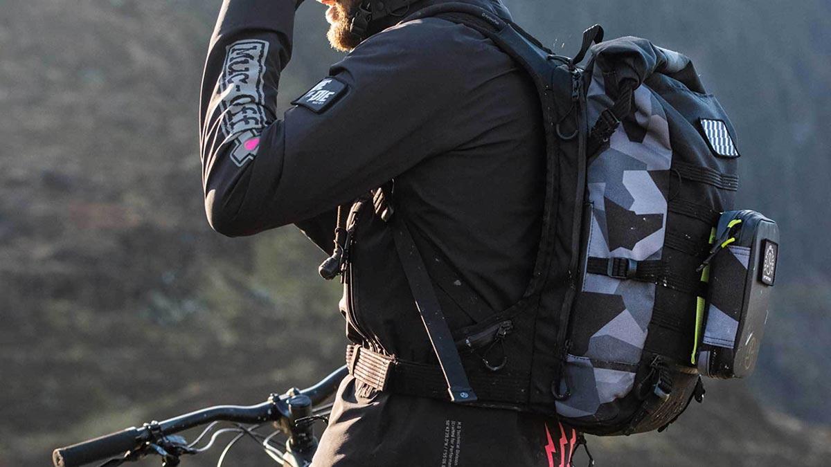 muc-off-riding-pack-mtb-travel-lab.94-essentials.jpg