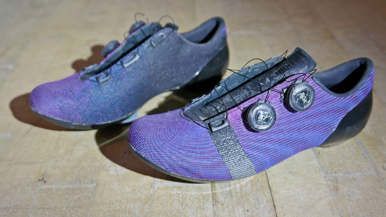 Rapha-Pro-Team-Powerweave-carbon-road-bike-shoes_pair.jpg
