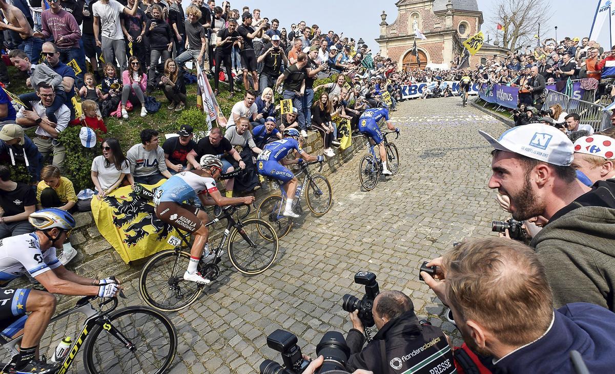 Tour-of-Flanders-cobbles.jpg
