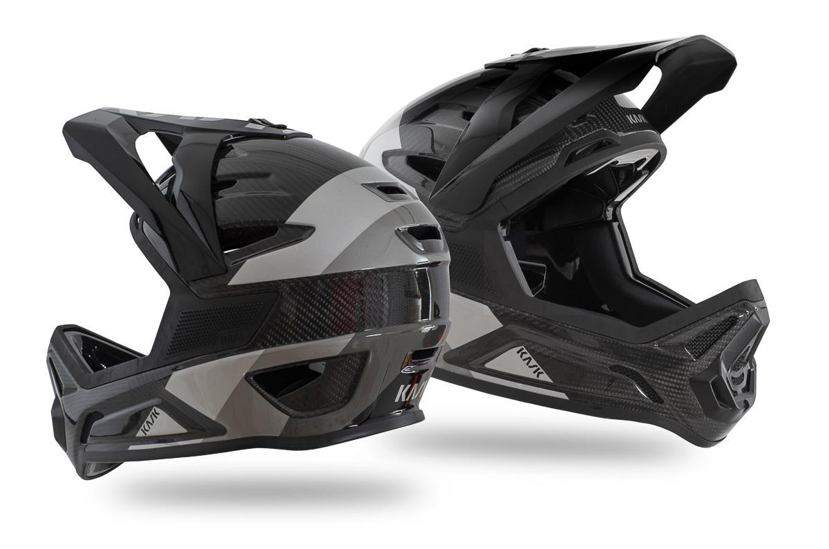 DEFENDER-BLACK-6-2048x1357.jpg