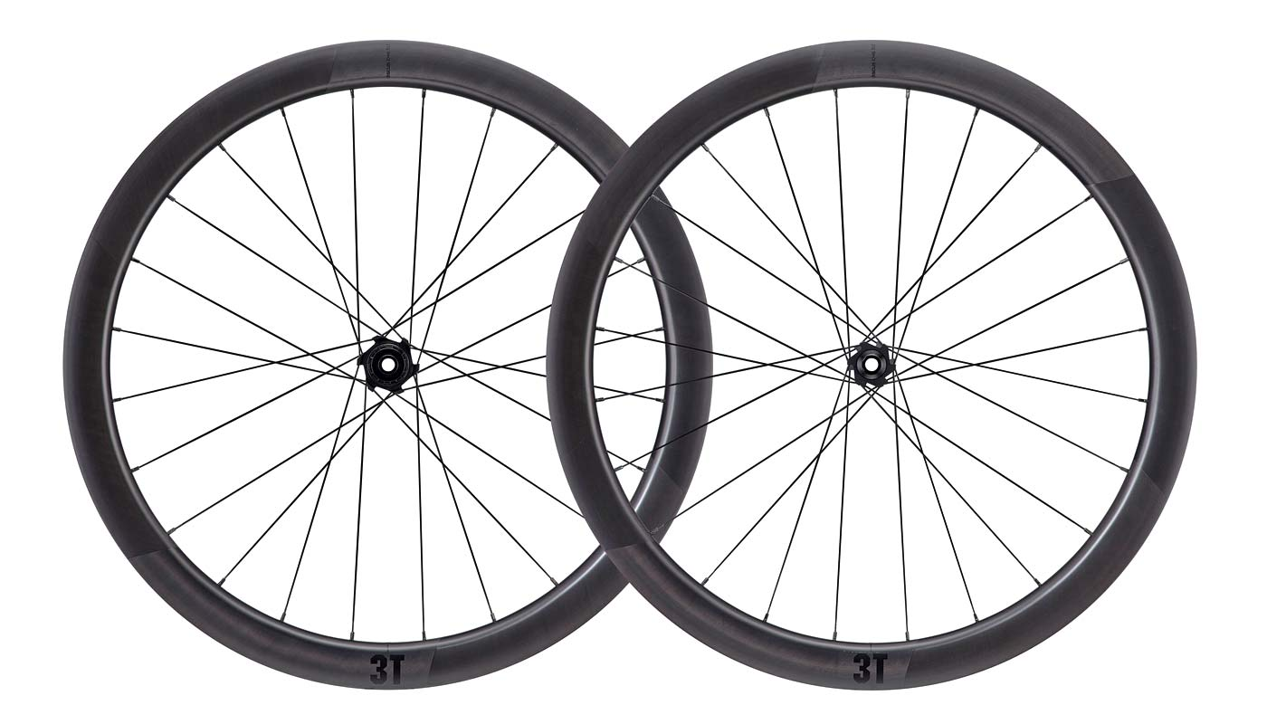 3T-Discus-45-40-LTD-aero-gravel-wheels_worlds-widest-aero-wheel_40mm-wide-29mm-internal-carbon-tubeless-aerodynamic-gravel-bike-wheels_set.jpg