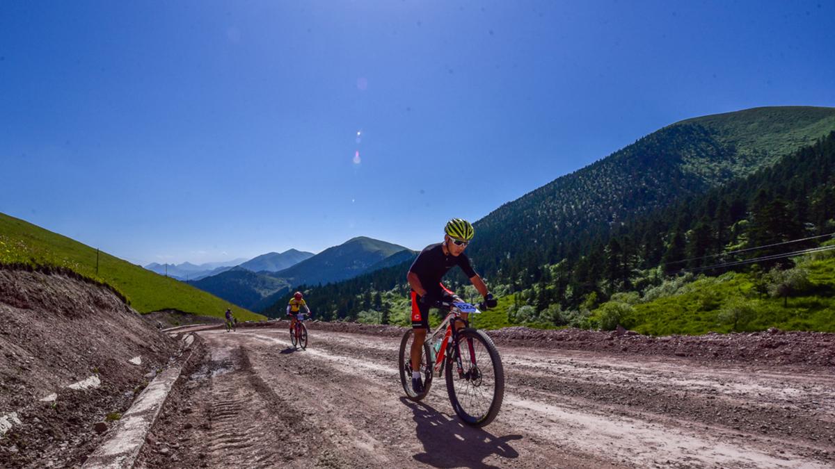"""决战甘南 2020""""冶力关""""杯甘南藏地传奇自行车赛"""