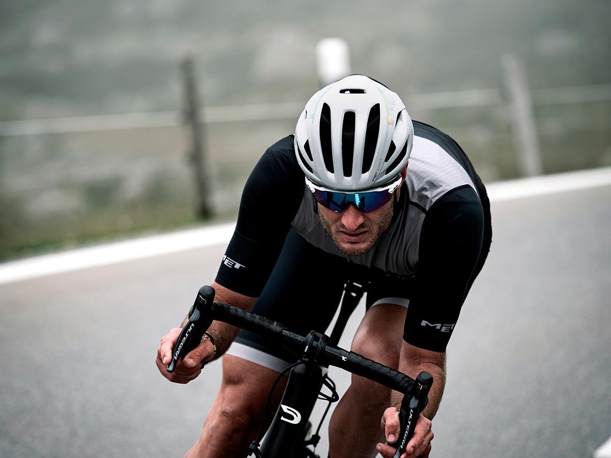 met-rivale-mips-road-helmet.jpg