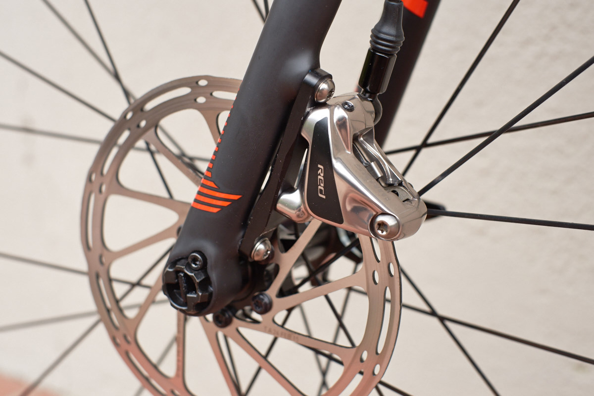 sram_red_disc_front_flat_mount_0.jpg