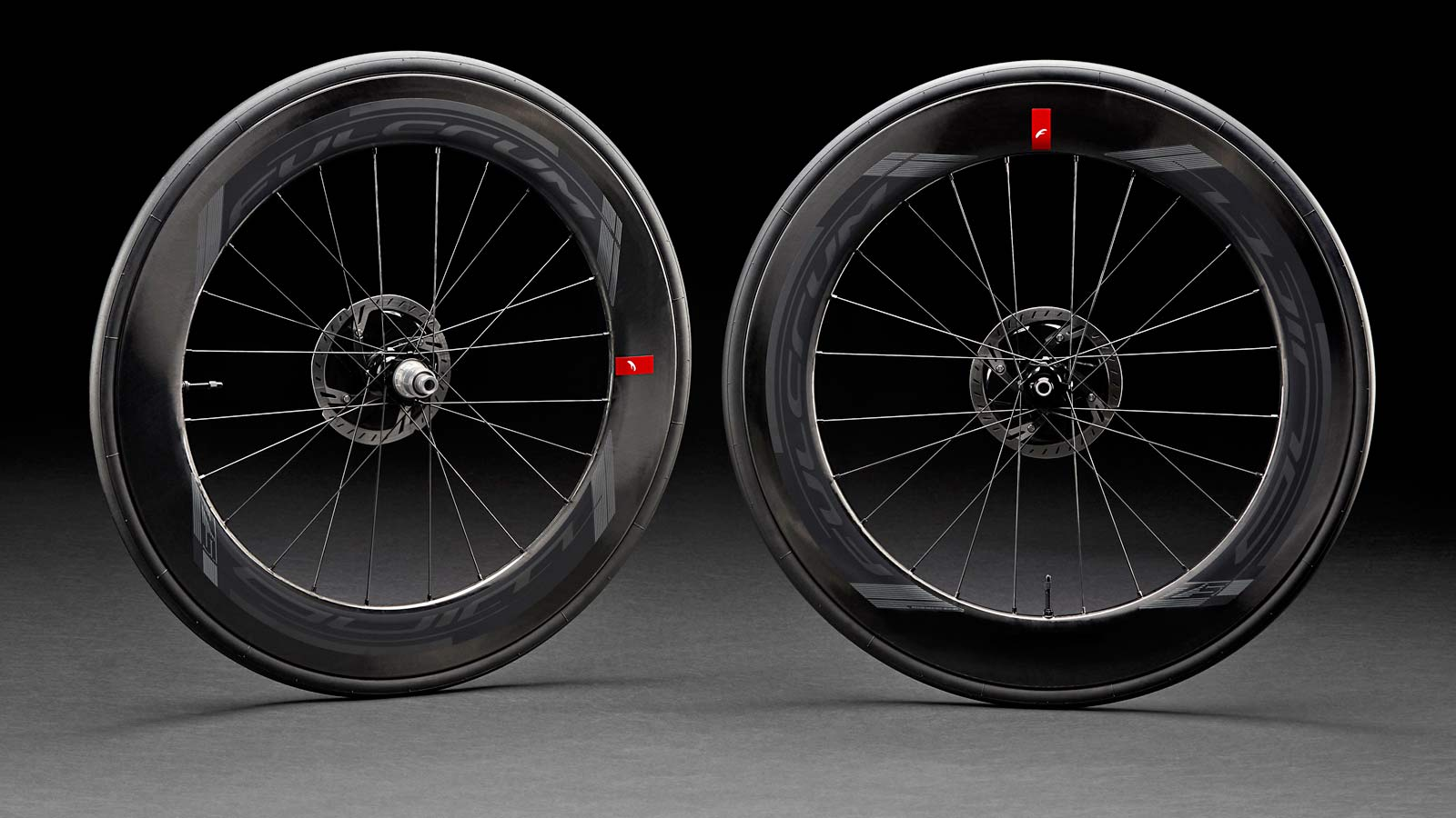 Fulcrum-Wind-75-DB-deep-aero-carbon-triathlon-wheels_wheelset-pair.jpg