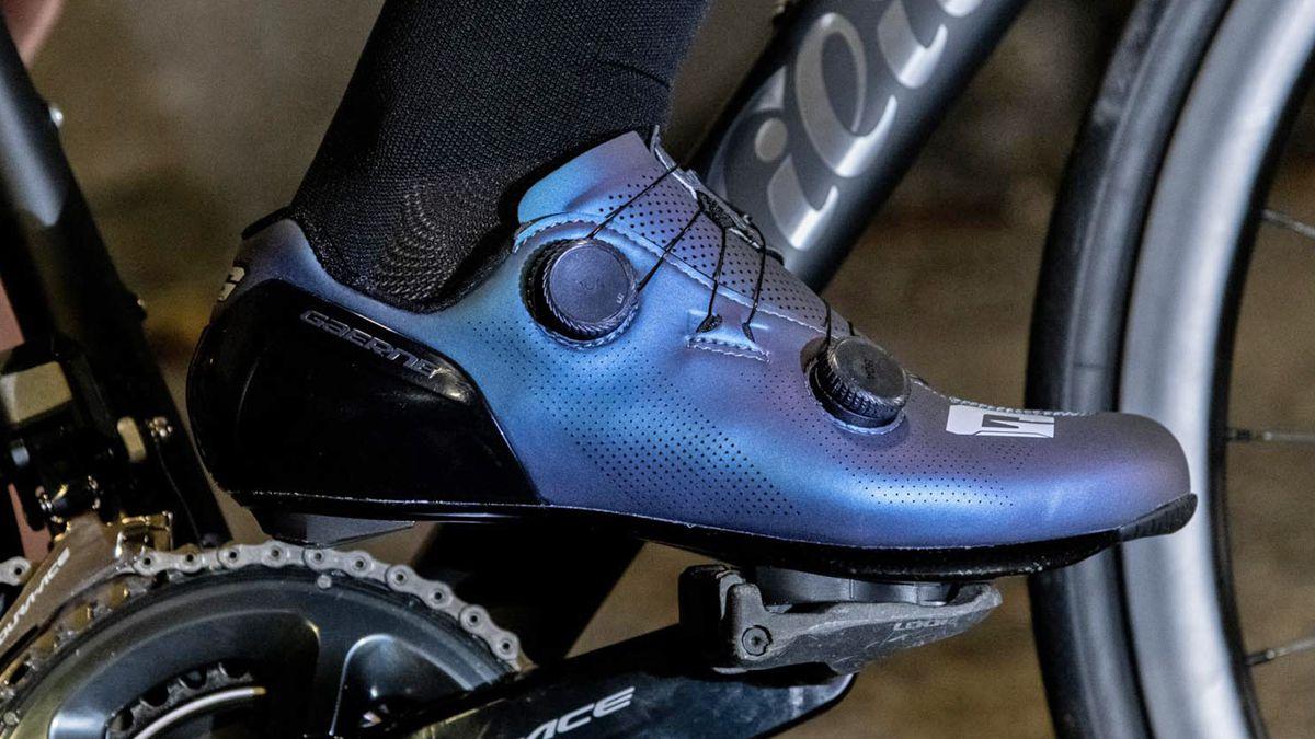 全新设计语言 Gaerne推出新款G.STL公路锁鞋