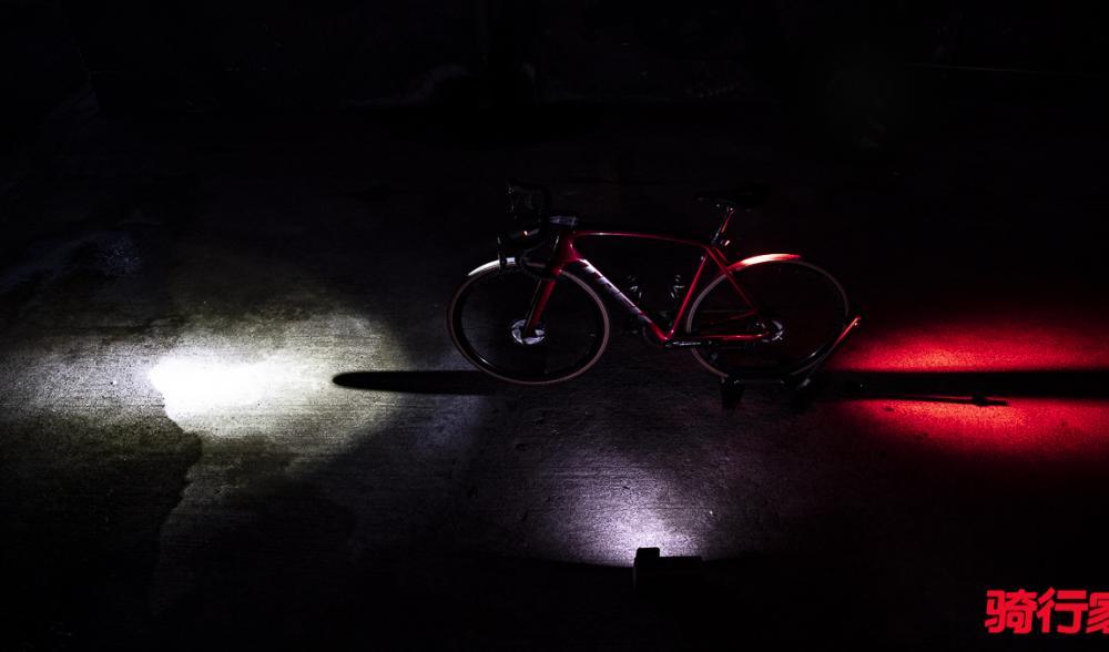 夜骑季节到来 Bontrager Ion前灯搭配Flare RT尾灯来得正是时候