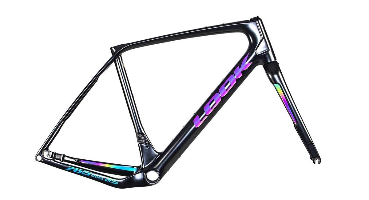 Look-X-Restrap-limited-edition-iridescent-gravel-bike-bikepacking-bags_rainbow-Look-765-Gravel-RS-frameset.jpg